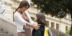 Cómo manejar la repetición, cambio de curso o de colegio de tu hijo